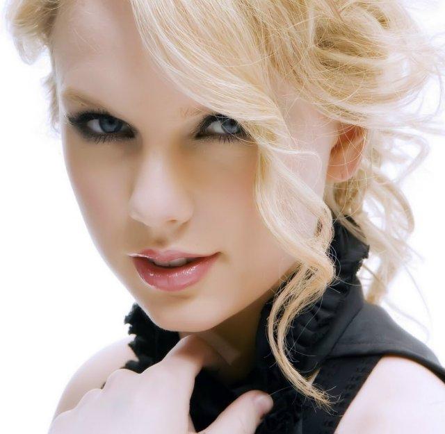 Taylor Swift Hot2