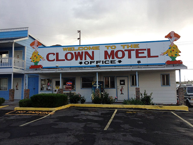 clown_motel_2