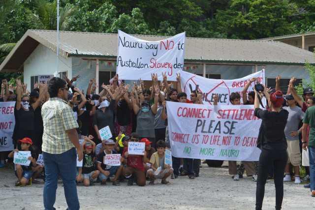 Refugees stage protest on Nauru
