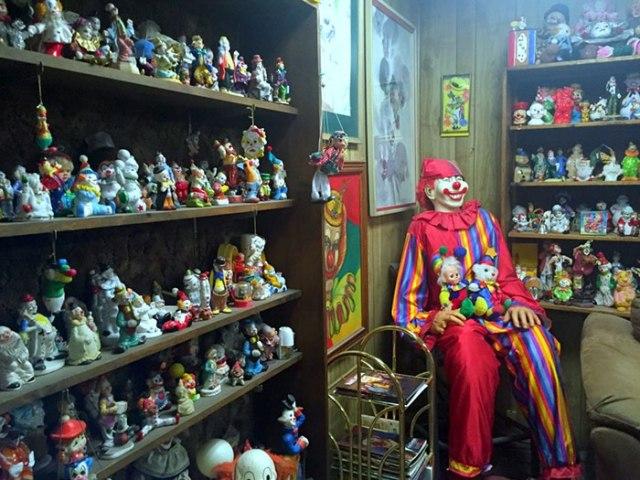 the_clown_motel_tonopah_nevada_3